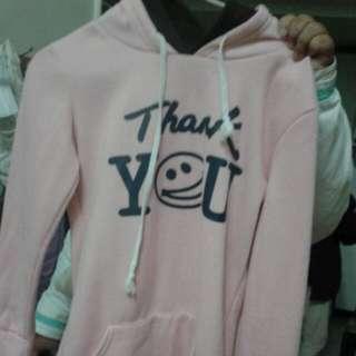 粉色英文字母連帽毛衣  200(含運)