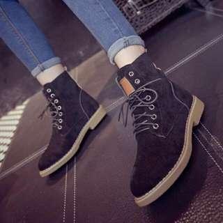 💥(含運)英倫馬丁靴中筒圓頭平底復古系靴子