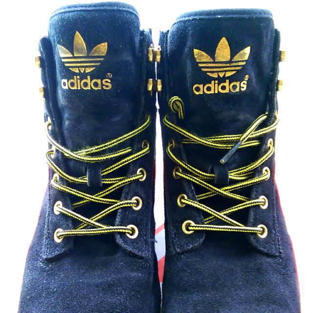 愛迪達高統靴