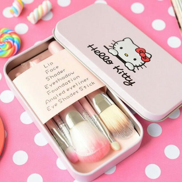 (預購)立體鐵盒 hello kitty 7件化妝刷