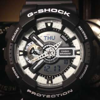 G-Shock GA-110 黑白配色