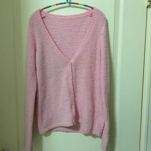 粉紅色軟綿綿毛衣外套