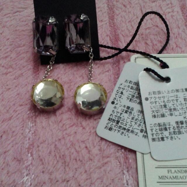 全新日本製,紫色耳環。