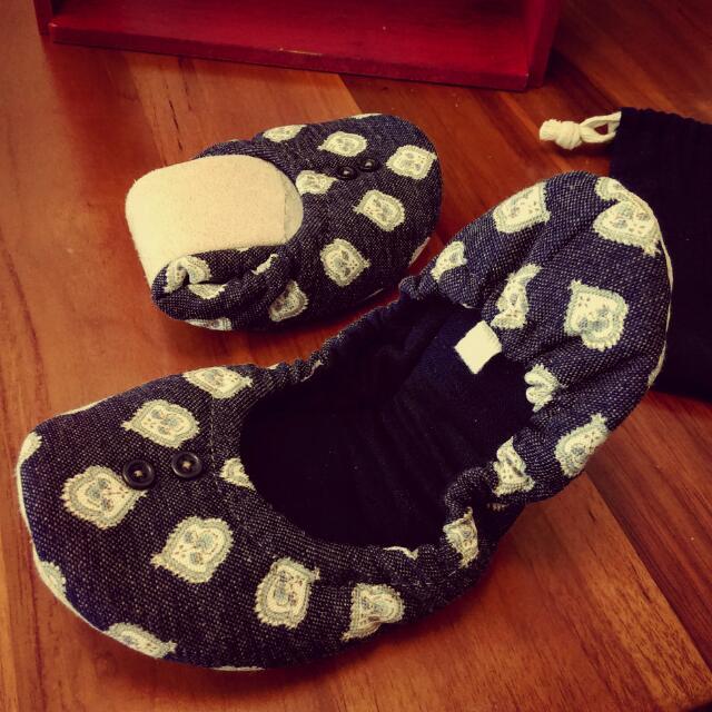 《 全新良品 》日本,攜帶型,可折疊室內拖鞋(附收納袋)