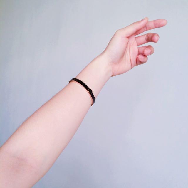 agnes.b 琺瑯玫瑰金手環(含運費)