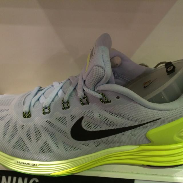 82ee1bbaae27 Authentic WMNS Nike Lunarglide 6
