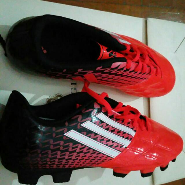 Second Hand Soccer Boots, Sports on