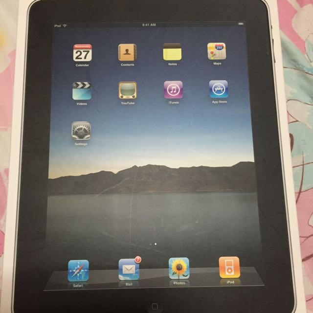 Selling IPad (First Generation) --- $148