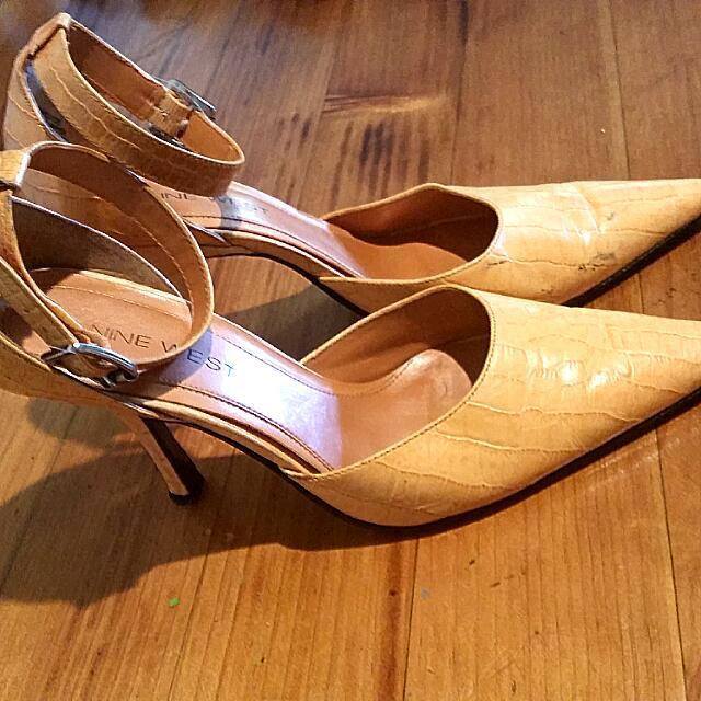 Size 9 Nine West Mango Faux Snakeskin Leather Point Heels W Ankle Strops
