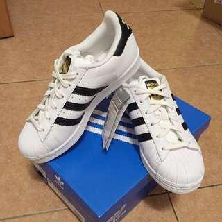 Adidas Superstar 黑店金標經典款