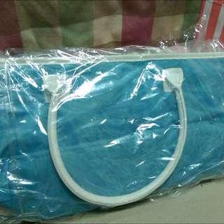 水藍手提包