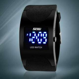 SKMEI 0951 LED 電子錶