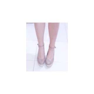 🚚 裸色 繫帶楔型鞋