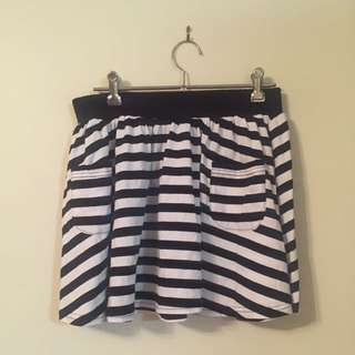 Super Cute Striped Skirt With Pockets
