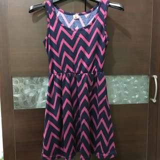 近全新小洋裝