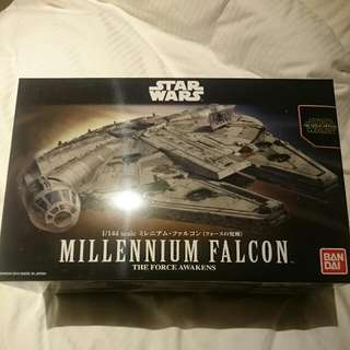 Star Wars Millennium Falcon (the Force Awakens) Bandai (Reserved)