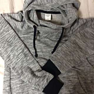 Abercrombie & Fitch 灰色帽T