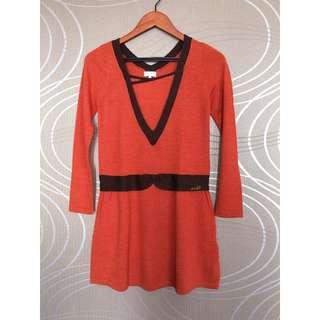 專櫃服飾 U'db  橘色毛料V領長袖連身洋裝