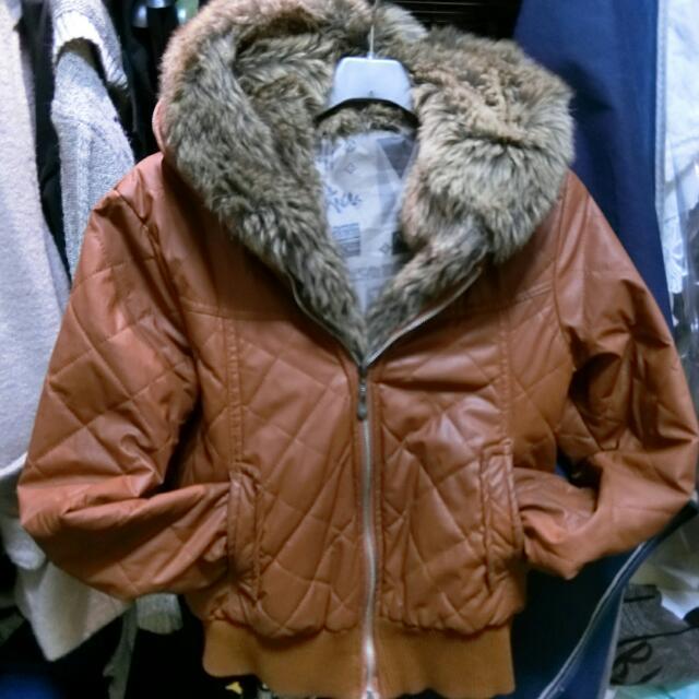 短版皮外套