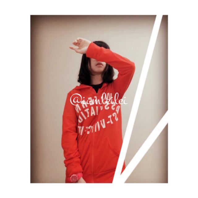 👘二手👘 紅色運動風字母薄外套