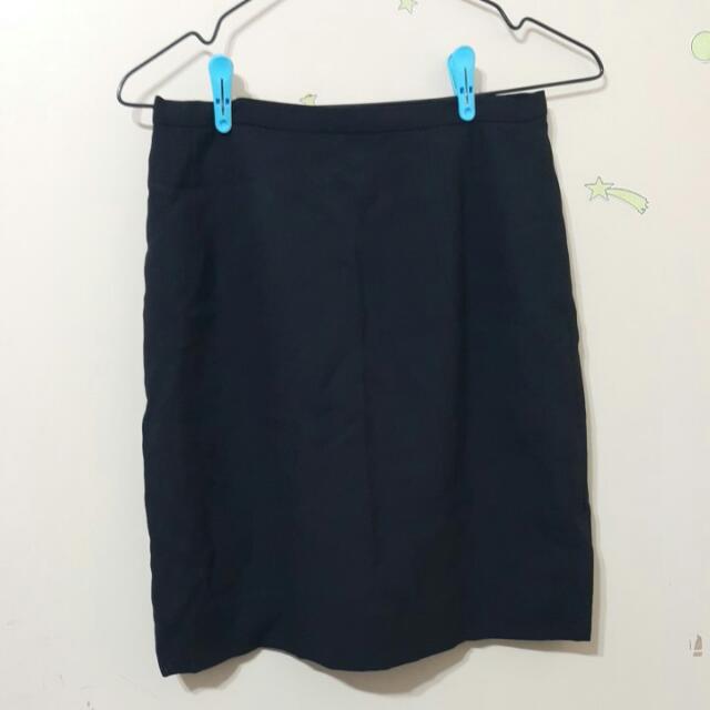全新 面試 雪紡黑裙 100含運 4號 拉平腰口36公分    有3件 與襯衫合購可抵20元