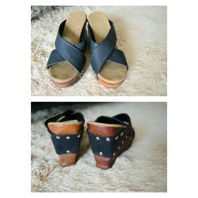 Fld Studded Wedges