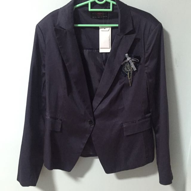 bc727e88c NEW LOOK BLAZER UK18 WITH BROOCH, Women's Fashion on Carousell
