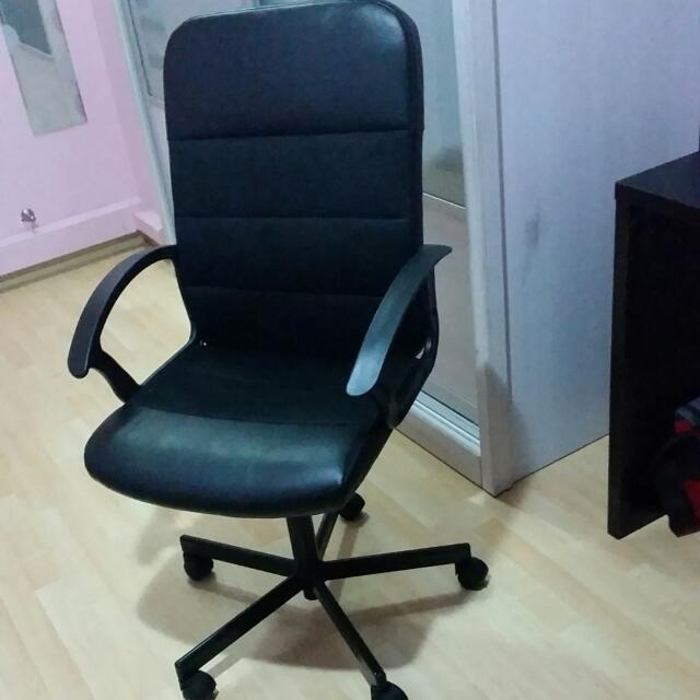Office chair ikea fingal pet supplies on carousell for Sedia fingal ikea