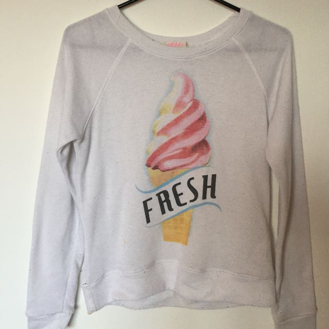 White Crew neck With Picture