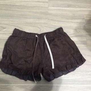 荷葉麂皮短褲