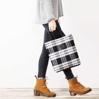毛尼質感黑白格紋手提包