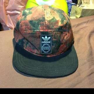 Adidas五分割帽