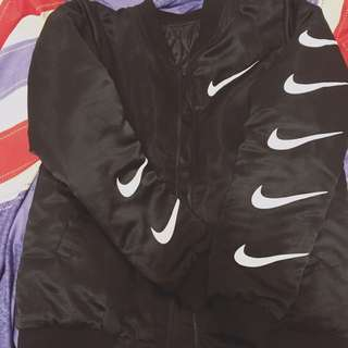 (保留中)Nike棒球外套