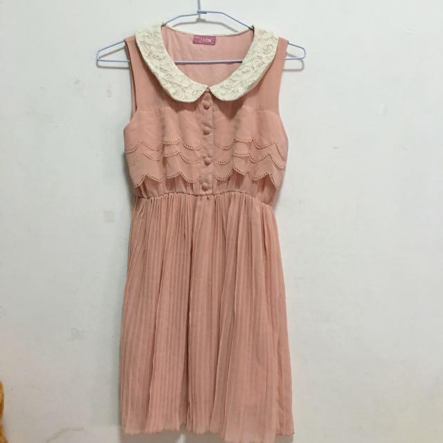 [二手]粉色蕾絲圓領百褶小洋裝