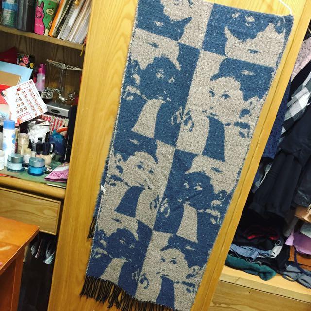 奧黛麗赫本軟綿綿粉配藍圍巾