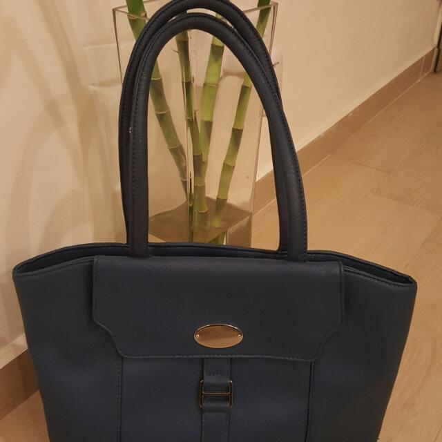 Austin Reed Bag Women S Fashion On Carousell