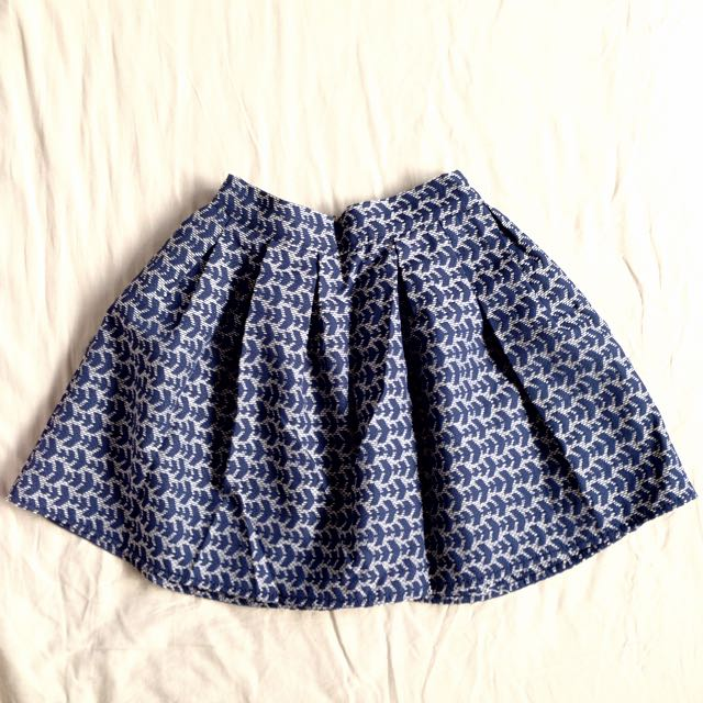 Patterned mini-flair skirt