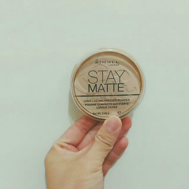 (待匯款)rimmel stay matte粉餅