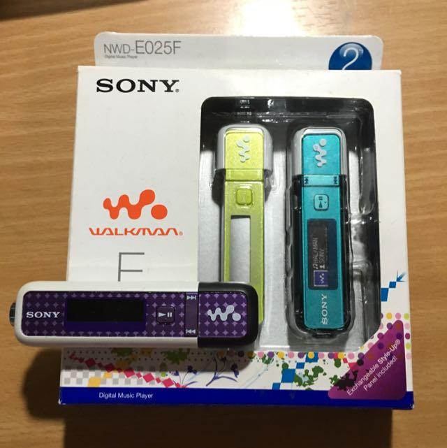 [二手]Sony MP3 隨身聽 NWD-E025F 附可更換面板2色