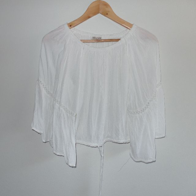 Tree of Life bohemian top can be worn off shoulders or as pictured with drawstring hem. Worn once, size 8-10.
