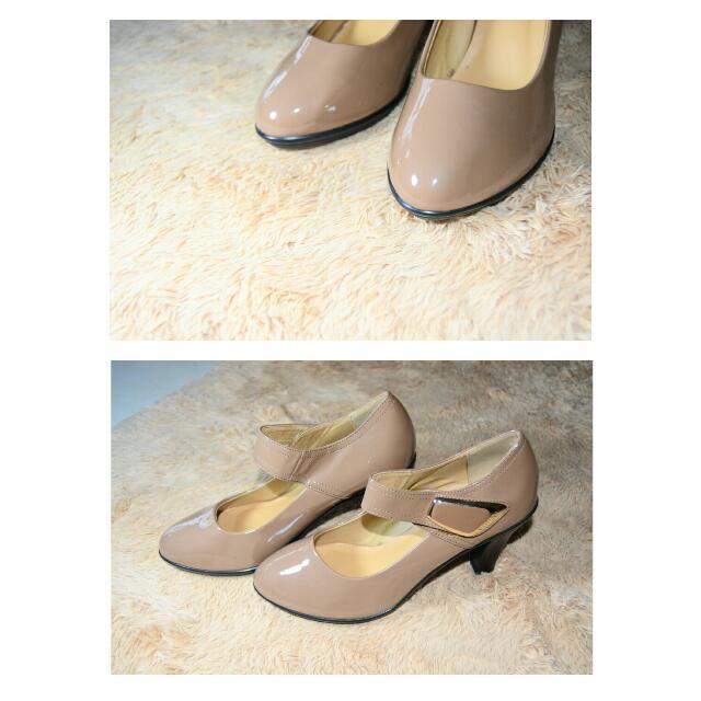Vicari Caramel Shoes
