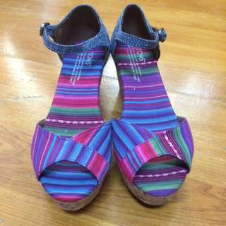 Toms 彩虹楔型涼鞋