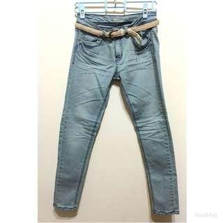 全新✨淺藍丹寧窄管褲(附皮帶)