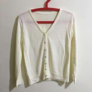 白色針織外套