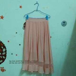 粉色雪紡裙