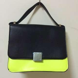 螢光黃小包包