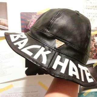 IDC HATer 黑皮革圓頂漁夫帽