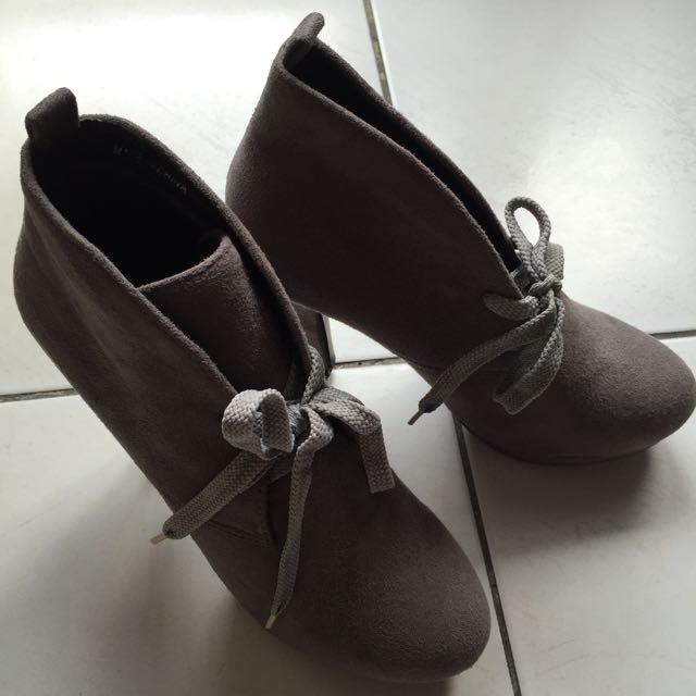 (含運)灰色高跟鞋👠