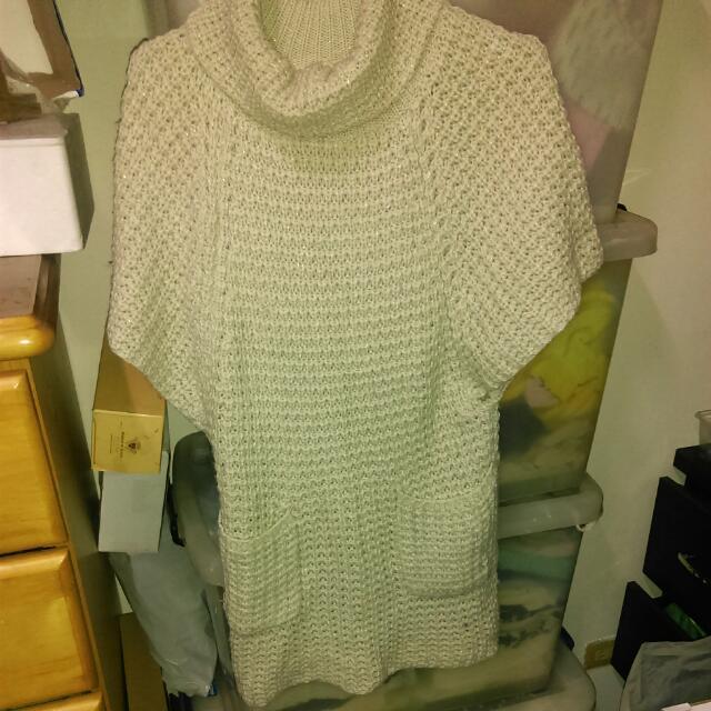 米白色高領厚針織長版毛衣