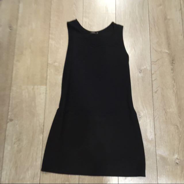 moma38號黑色背心洋裝